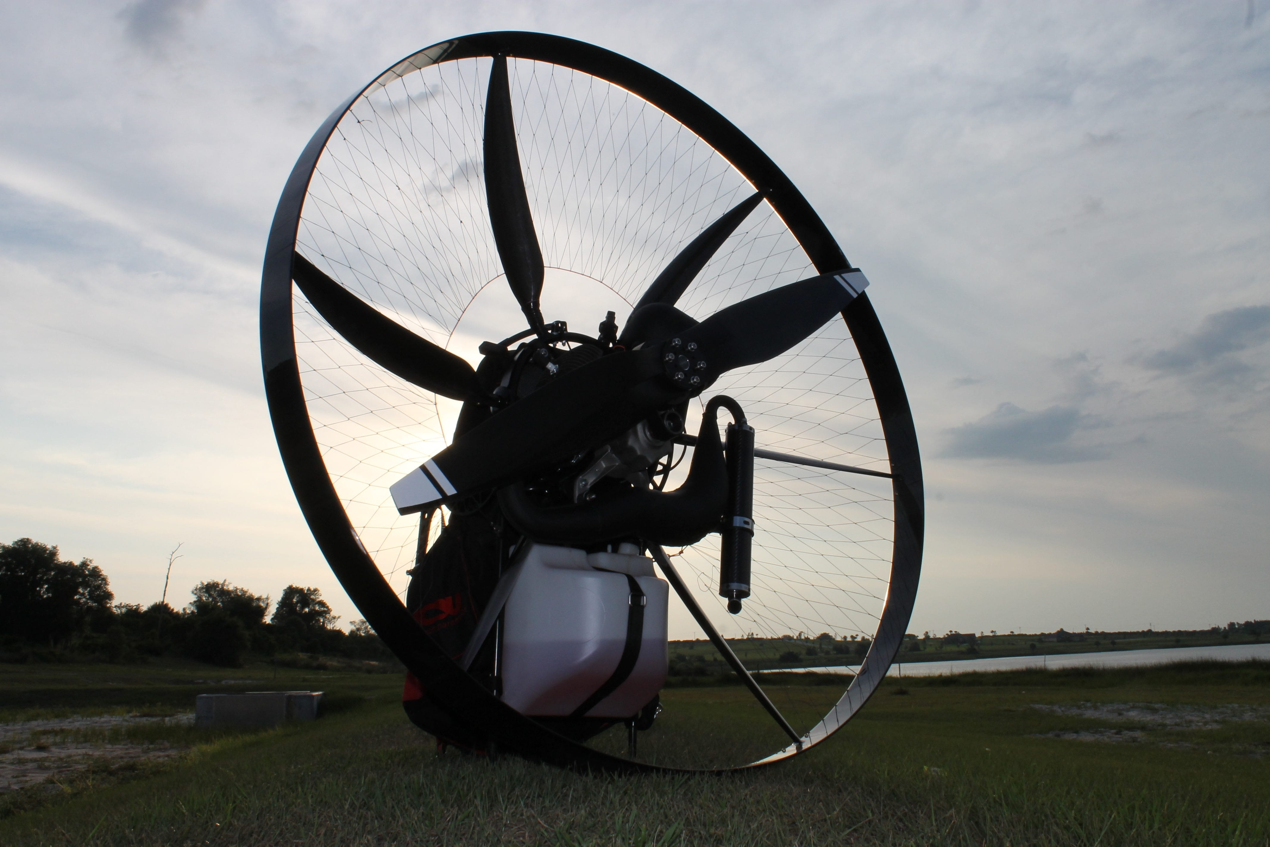 The scout carbon fiber paramotor